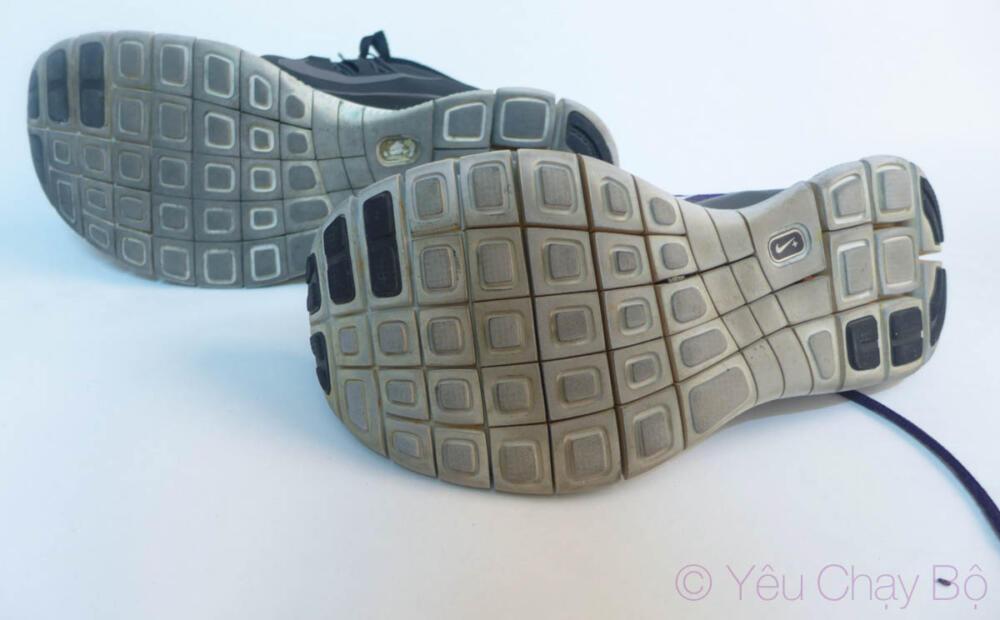 Nike Free Flyknit và Nike Free 5.0 sử dụng đế y hệt nhau.