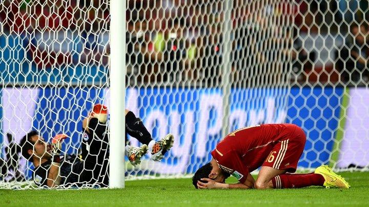 Tây Ban Nha bị loại sau màn trình diễn đáng thất vọng