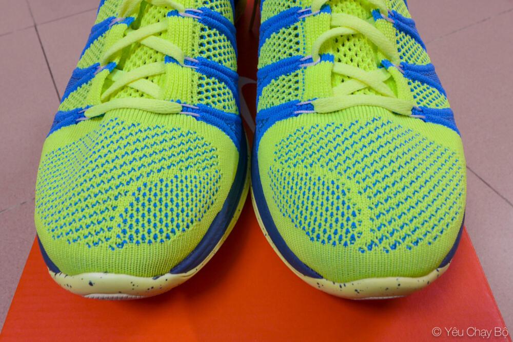 Cận cảnh mũi giày