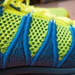 Dynamic Flywire chia thân giày làm 2 vùng màu sắc khác nhau