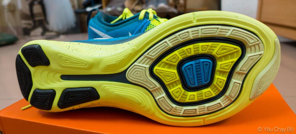 Đế ngoài của Nike Flyknit Lunar 2