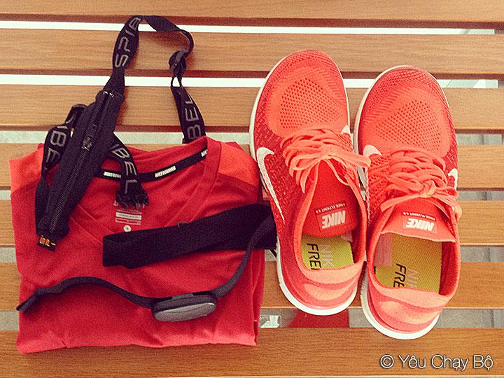Tông xuyệt tông với áo Nike Running