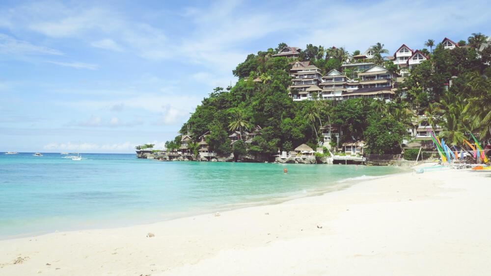 Diniwid Beach lên hình đẹp lộng lẫy bằng máy ảnh Lumix LX7