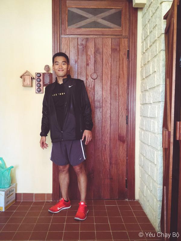 Hớn hở sau khi chạy xong 10K quanh hồ Xuân Hương