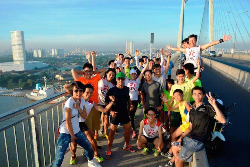 SRC trên đỉnh cầu Phú Mỹ trong buổi chạy 28/12/2014