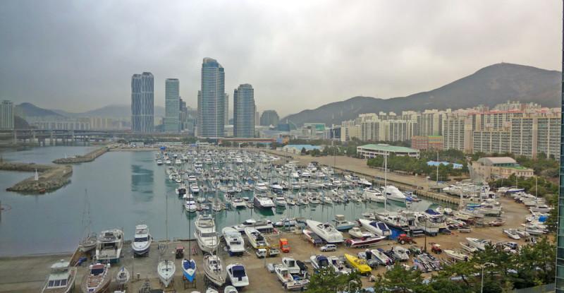 Bến tàu Busan ngay cạnh khách sạn mình ở