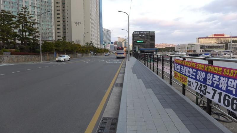 Đường phố Haeundea vắng hoe