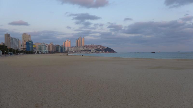 Mình chạy quẹo qua ngắm biển Haeundea - Một trong những bãi biển được xem là đẹp nhất ở Hàn Quốc