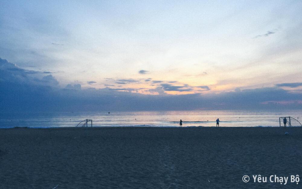 Biển Lăng Cô lúc 5h sáng