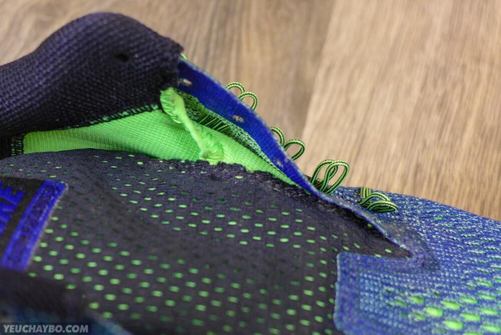Hông giày vẫn đủ rộng rãi, không bị cấn