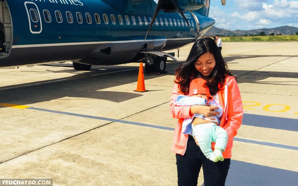 Silk đi máy bay lần đầu tiên