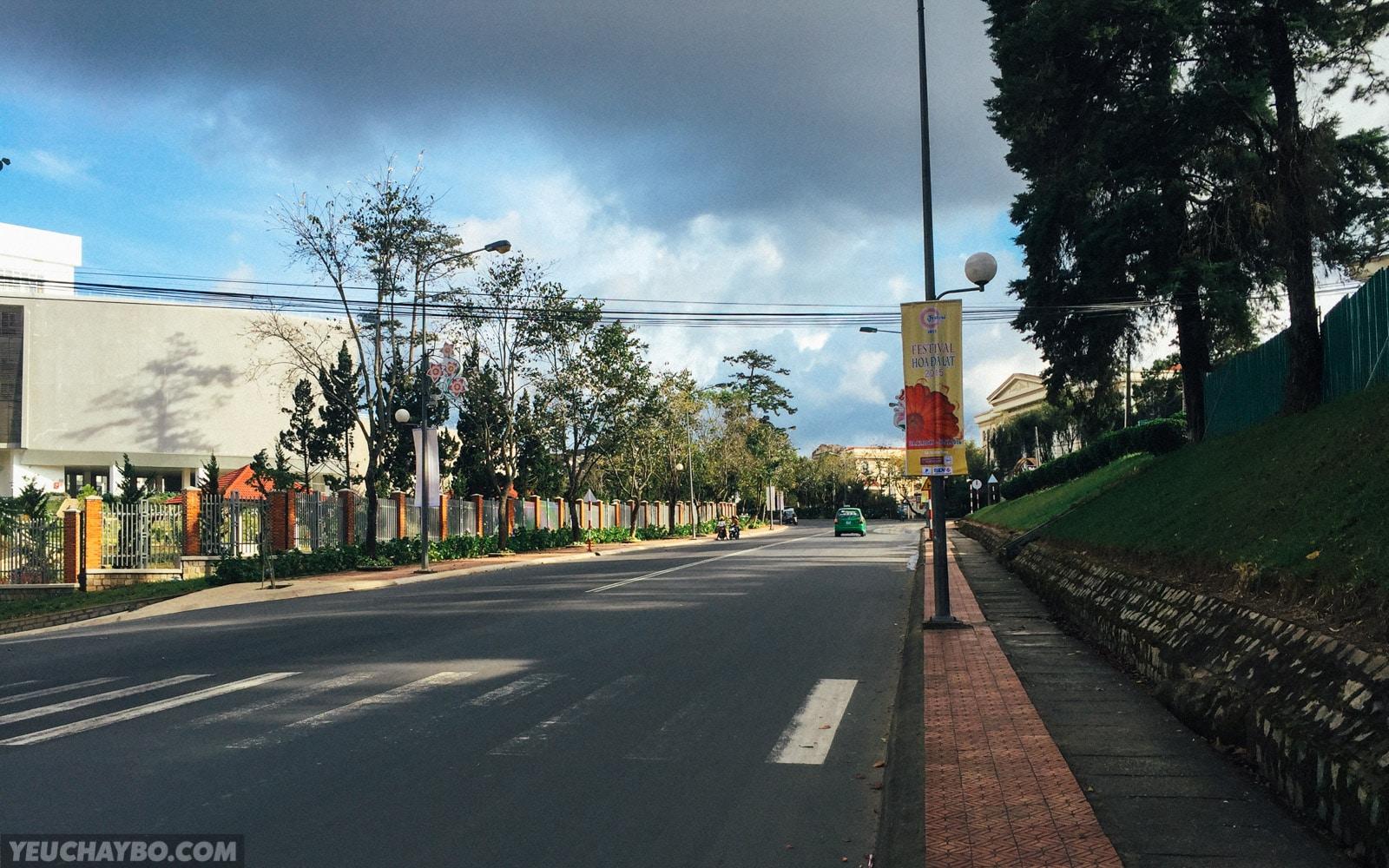 Thẳng tiến đường Trần Phú