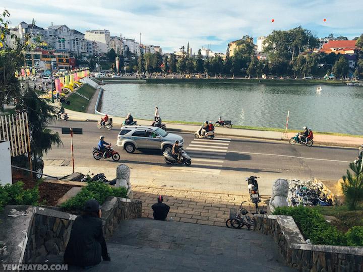 Quay lại Hồ Xuân Hương rồi