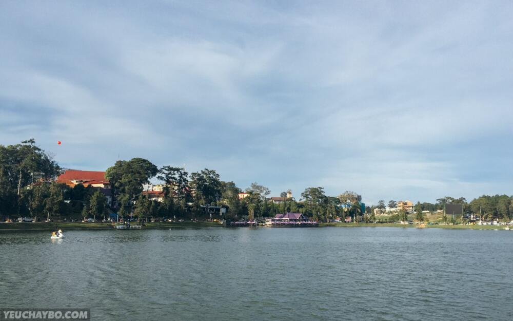 Chụp hình Hồ Xuân Hương phát cuối trước khi về