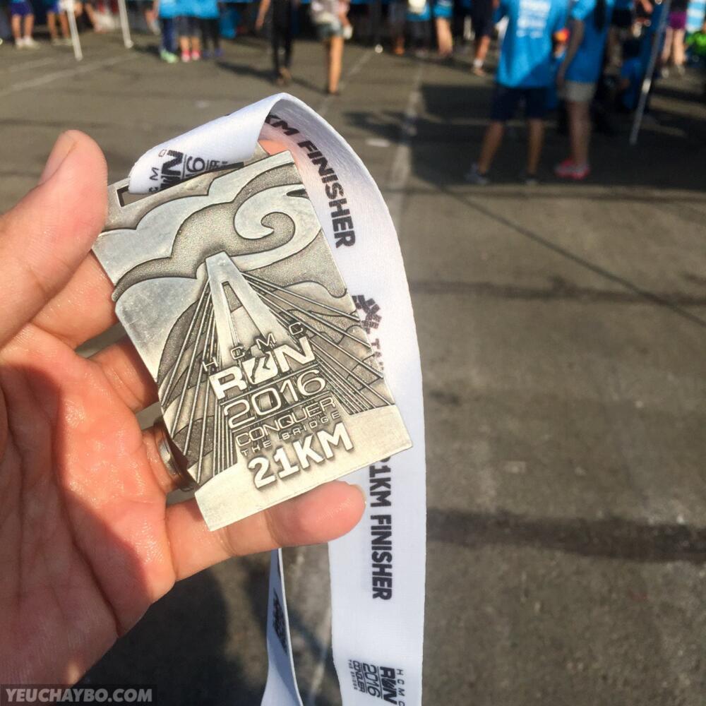 Huy chương Finisher 21K năm nay đẹp quá!