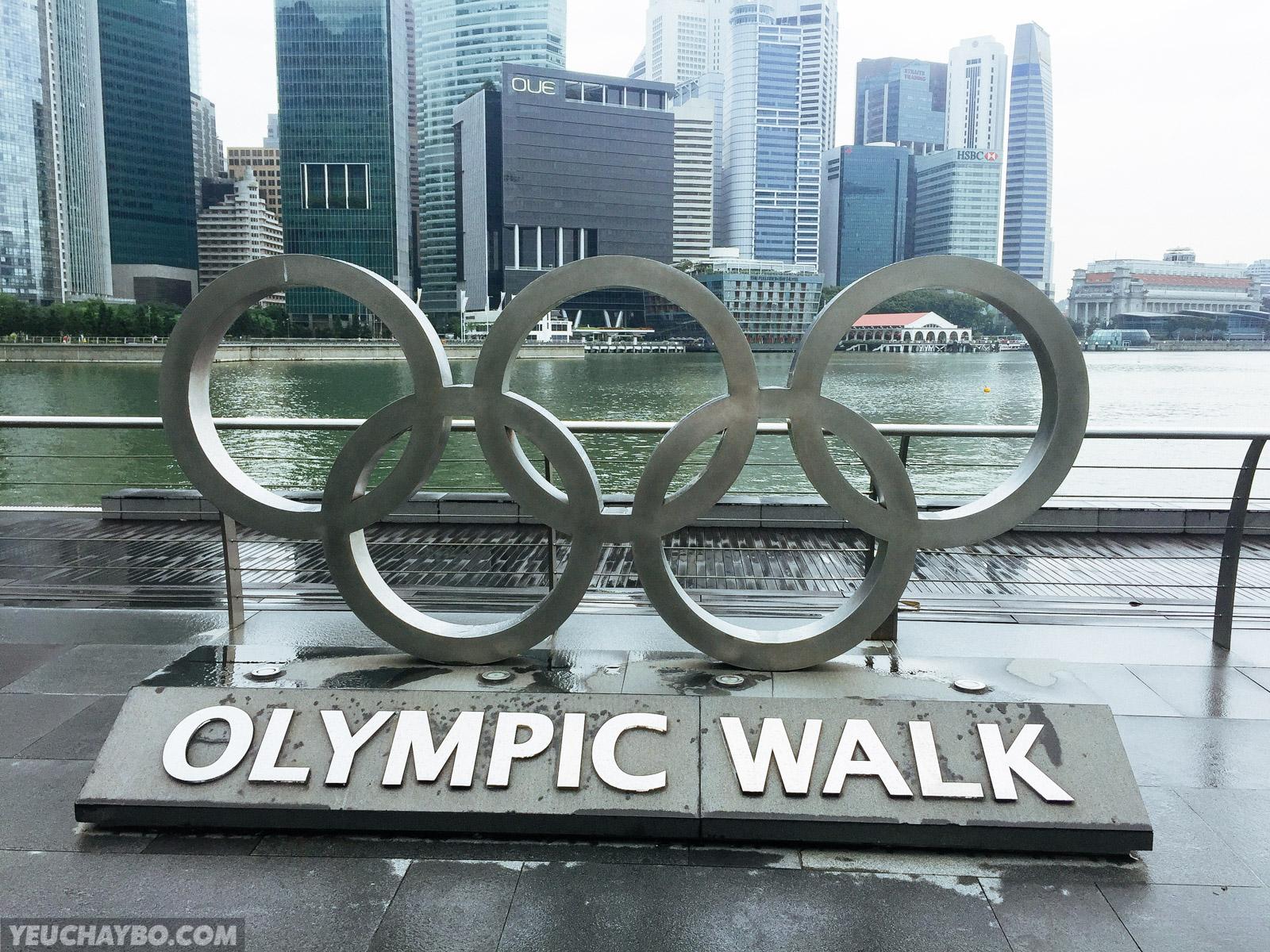 Đường đi bộ xunh quanh Marina Bay được gọi là Olympic Walk