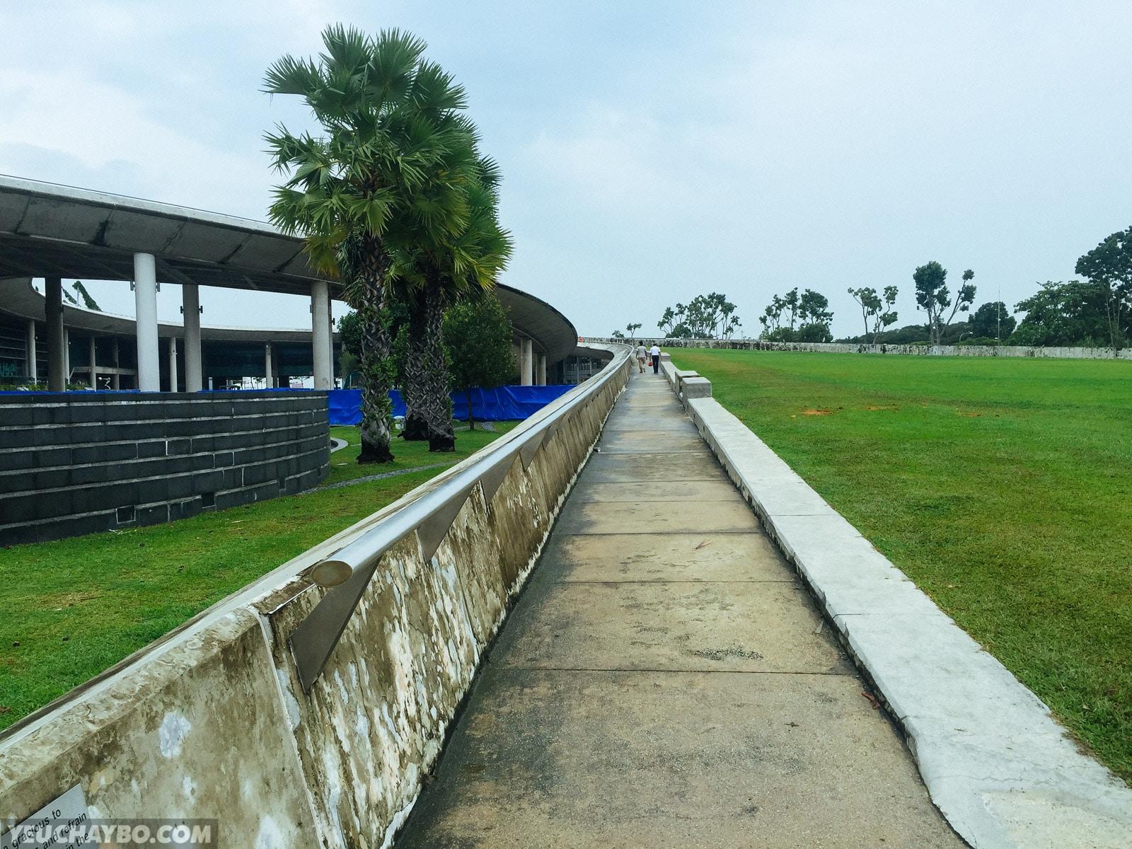 Đường dốc dẫn lên mái của Marina Barrage