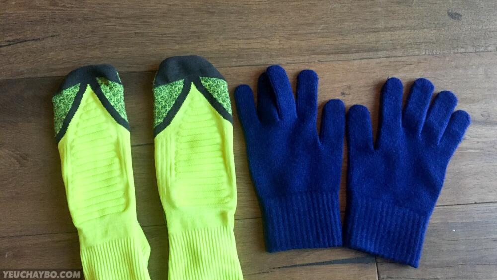 Găng tay và vớ