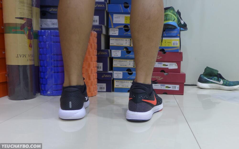 Nike LunarGlide 8 vs Vomero 11 - 02