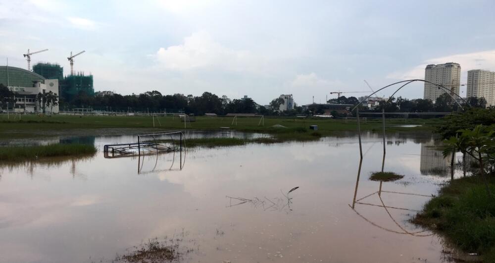 Biển nước trong trường đua Phú Thọ chiều nay