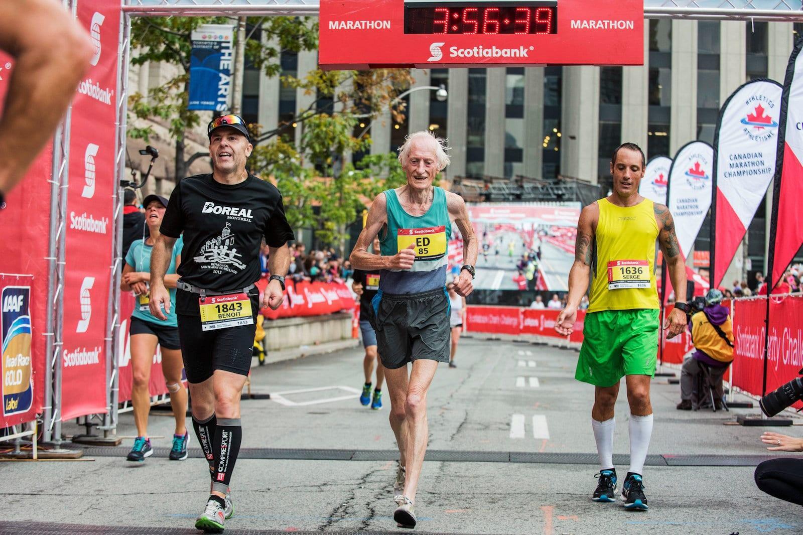 Ed Whitlock – Marathoner 85 tuổi thách thức mọi giới hạn tuổi tác