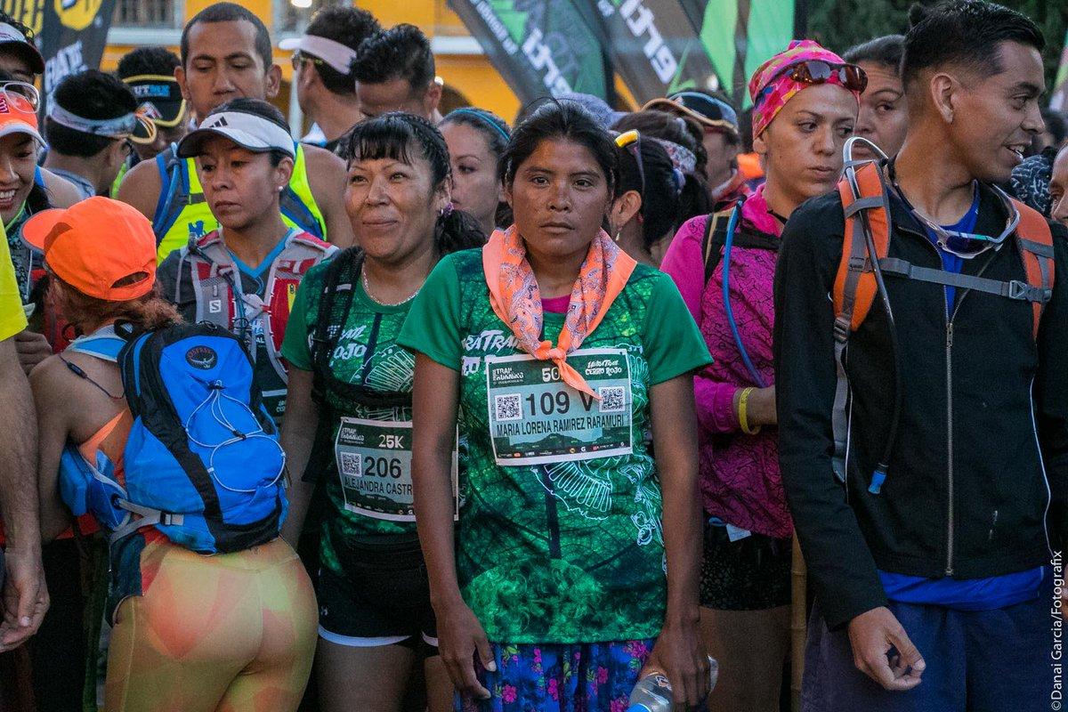Cô gái bộ lạc Tarahumara dành chiến thắng cự ly 50K ultra trail chỉ với đôi sandal bằng vỏ xe cao su