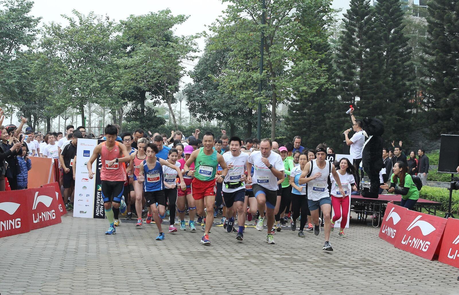 [QC] Li-Ning đồng hành cùng Hanoi Half Marathon 2017
